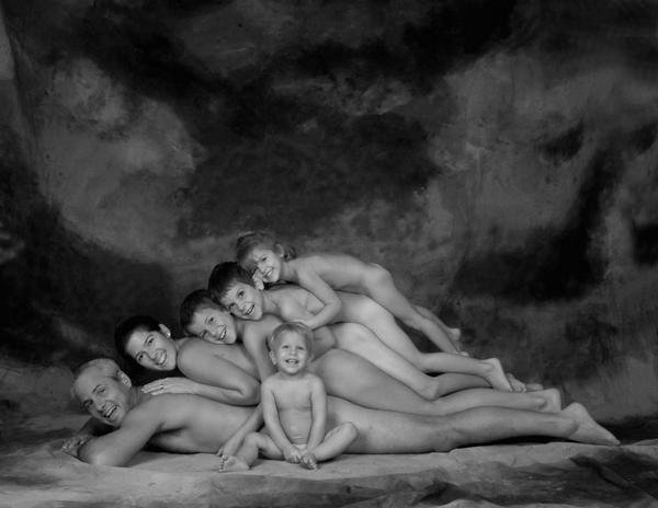 creepiest family photo ever