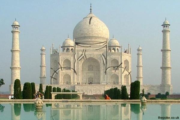 Taj Mahal hit by vandals