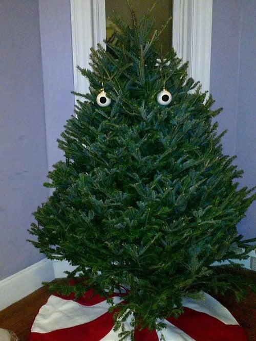 funny-Christmas-tree-balls » The Poke