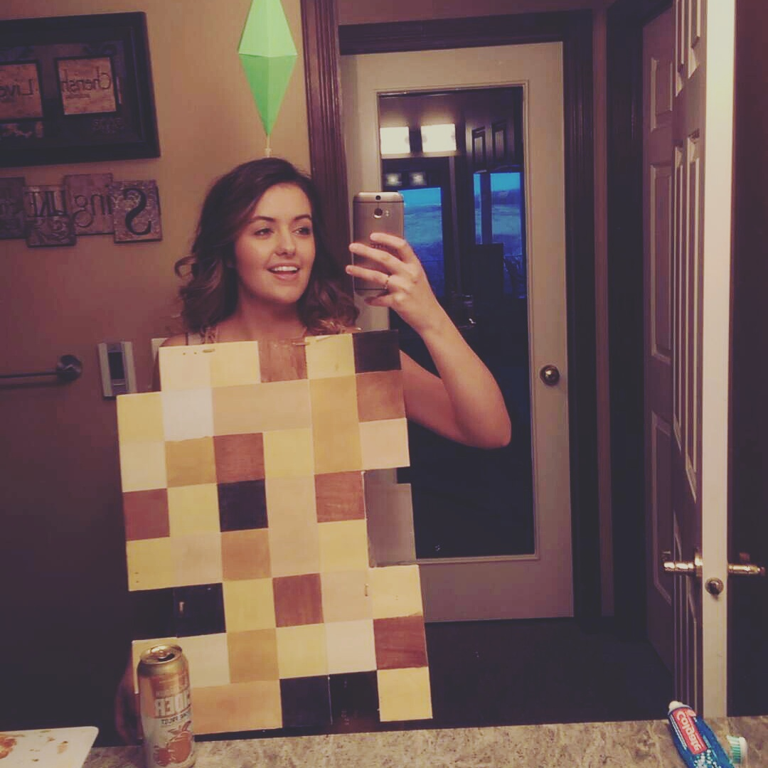 Naked Selfie Costume The Poke-2725