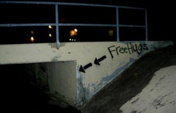 free-hugs-here