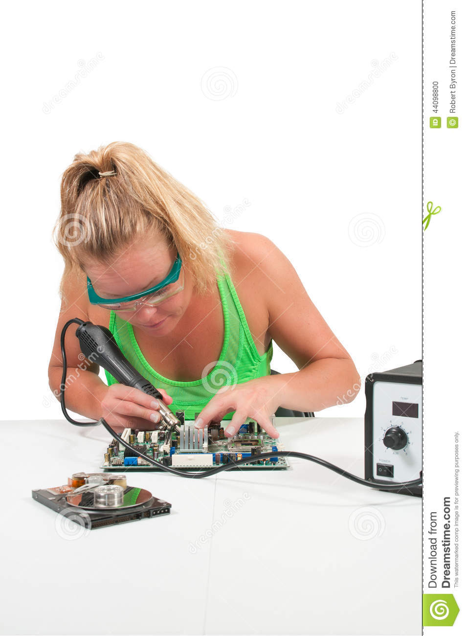 can you spot what 39 s wrong with the soldering in this stock photo the poke. Black Bedroom Furniture Sets. Home Design Ideas