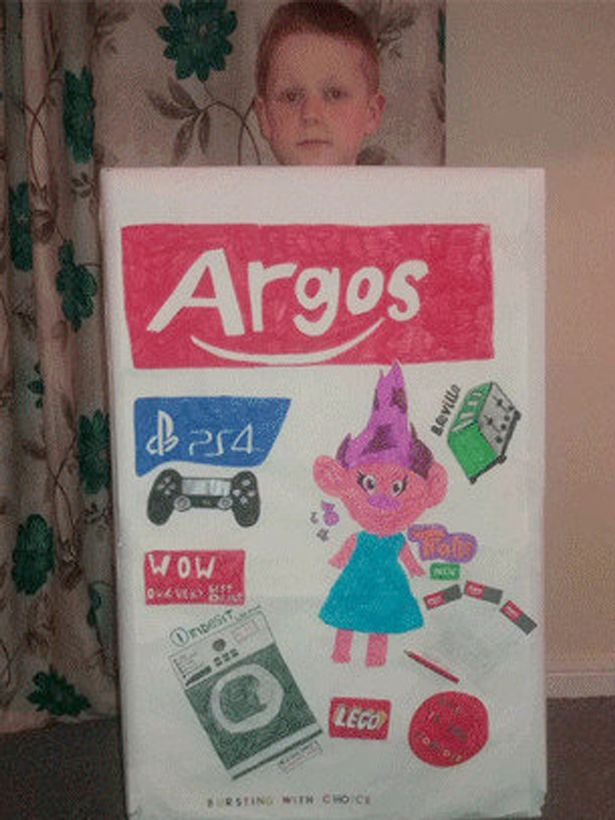 "World Cookie Day 2017 >> This ""Argos catalogue"" World Book Day costume was even more elaborate than we thought The Poke"