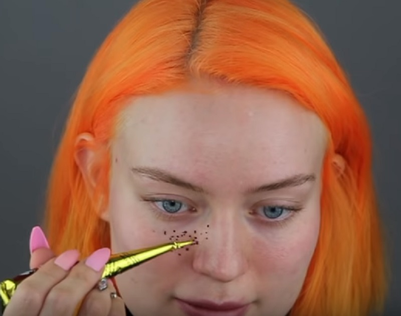 A Youtuber Has Gone Viral After Her Henna Freckles Experiment Went