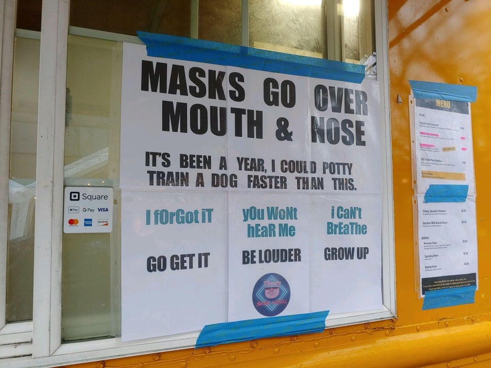 People enjoyed this shop sign aimed at people still not wearing a mask properly